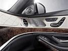 Mercedes zvolil při odhalování nového vozu méně tradiční postup: nejprve ukázal