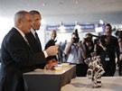 V podzemí muzea si Obama prohlédl i technologické novinky, mimo jiné podpůrný