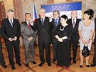 Prezident Milo� Zeman v�bec poprv� ve sv� funkci nav�t�vil jedn�n� Sen�tu. (21.
