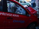 Řidič auta údajně nebyl připoután, při nehodě utrpěl vážné poranění hlavy