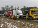 Nehoda několika aut zablokovala tah z Brodu na Pardubice.
