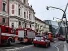 V Domě u Topičů na Národní třídě v Praze hořela střecha.