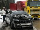 P�i hromadn� nehod� na 127. km d�lnice D1 sm�rem na Brno se srazilo a� 14 aut.