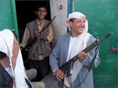 Jemen je země kalašnikovů. Jejich počet převyšuje počet obyvatel země....