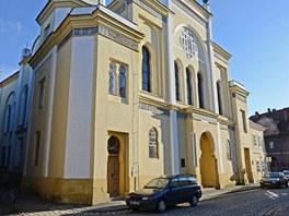 Žateckou synagogu poničili nacisté při křišťálové noci roku 1938. Nový majitel