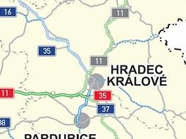 Silnice, na kterých by se mohlo jezdit rychlostí 110 km/h jsou vyznačeny modře.