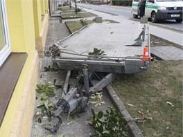Špatně zapojený přívěs se v Tučíně na Přerovsku za jízdy odpojil od auta,