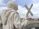 Na velikonoční bohoslužbu přišlo na vatikánské Svatopetrské náměstí skoro čtvrt
