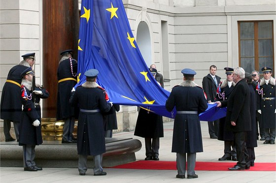 Prezident Milo� Zeman a p�edseda Evropsk� komise Jos� Manuel Barroso spole�n�