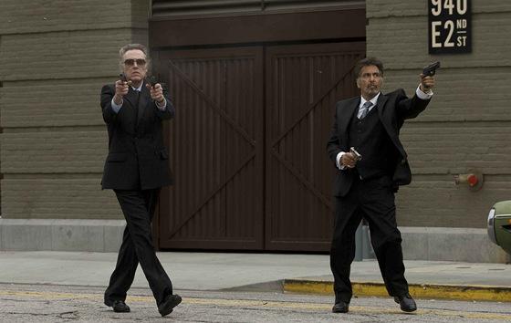 Christopher Walken (vlevo) a Al Pacino si ve filmu Jako za starejch časů