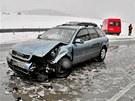 Hasiči zasahují u dopravní nehody na Olomoucku. (3. dubna 2013)