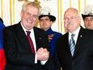 První zahraniční cesta českého prezidenta Miloše Zemana vedla tradičně na