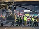 T�ce zran�n� ob�ti nehody francouzsk�ho autobusu u Rokycan transportovali do