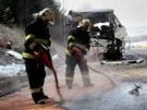 U Rokycan havaroval francouzsk� autobus pln� d�t�. (8. dubna 2013)