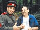 Tom� T�pfer jako velitel Araz�m v �etnick�ch humoresk�ch. Vedle re�is�r