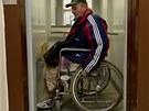 Výtah na úřadě si Jiří Pos chválil. Dalo se v něm pohodlně otočit.