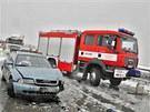 Na více než čtyři hodiny zablokovala dopravní nehoda osmi aut ve středu 3.