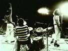 Z v�stavy Popmusea Tvrd� hudba v t�k� dob� (Katapult 1977)