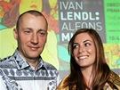 Richard Fuxa a Marika Lendlová s publikací k výstavě plakátů Alfonse Muchy