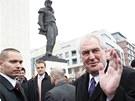Miloš Zeman položil věnce u pomníku M. R. Štefánika (5. dubna 2013)