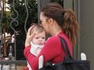 Drew Barrymore a její dcera Olive (7. dubna 2013)