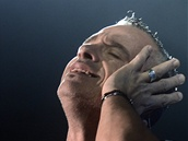 Italský zpěvák Eros Ramazzotti vystoupil 8. dubna v pražské O2 areně.