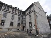 Bydlení na Přednádraží se scvrklo už jen do jediného domu.