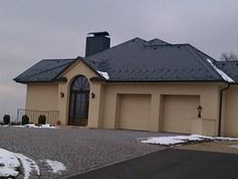 Dům Alexandra Nováka v úterý vypadal opuštěný.