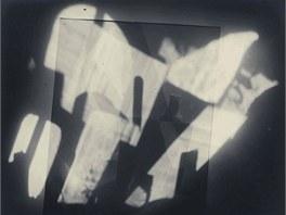 Jaromír Funke: Abstrakce s lahvemi, kolem r. 1925, bromostříbrná fotografie