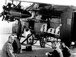 Firma Baťa pronikla v roce 1924 i do letectví. Letadlo se později stalo Tomáši