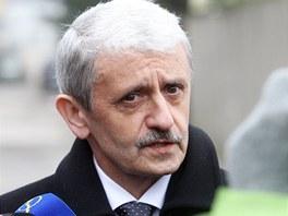 Slovenský expremiér Mikuláš Dzurinda po schůzce s Milošem Zemanem (5. dubna