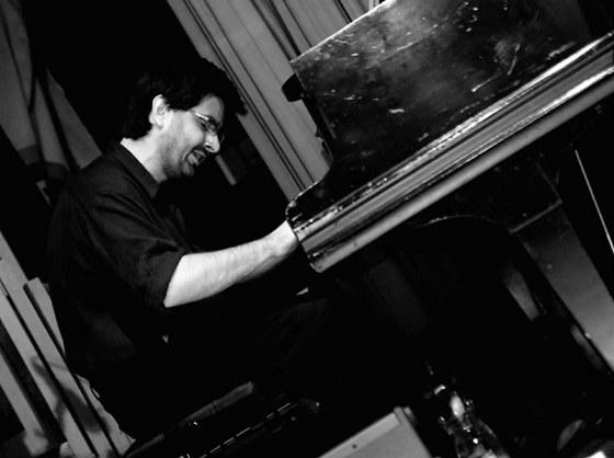 Klavírista a skladatel Marek Novotný