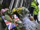Londýn truchlí za Thatcherovou. Květiny před sídlem premiéra v Downing Street