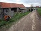 Srbská policie ve vesnici Velika Ivanča, kde šedesátiletý Ljubica Bogdanović