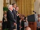 Americký prezident Barack Obama vyznamenal českého kaplana americké armády