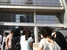Pákistánci z Karáčí museli opustit své kanceláře kvůli otřesům (16. dubna 2013)