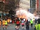 První záběry z místa explozí na bostonském maratonu (15. dubna 2013)