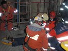 Záchrana zraněného pracovníka hodonínské elektrárny, který spadl z