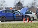 Řidič jel zřejmě příliš rychle, kvůli čemuž narazil do auta před sebou, které