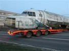 Převoz trupu prototypu dopravního letounu Iljušin il-14fg do olomouckého
