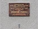 Pamětní deska na domě léčitele Jindřicha Paseky.