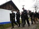 Policisté při pátrání po pohřešované dívce v oblasti tzv. vlčnovských búd,