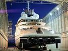 V Německu odhalili novou superjachtu světa Azzam. Měří 180 metrů a stojí v...