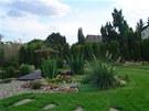S budováním zahrady jsme začali v roce 2007 a stále není dokončená.