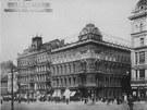 Původní vzhled rohové budovy na adrese Václavské náměstí 47 před rokem 1922,...