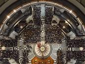 Pohřební ceremoniál Margaret Thatcherové v katedrále sv. Pavla. Pohled z kupole