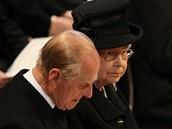 Královna Alžběta II. a její manžel na pohřbu Margaret Thatcherové (17. dubna