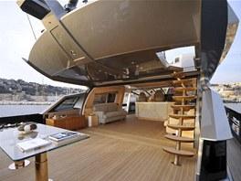 Abramovičova jachta disponuje dvěma heliporty, miniponorkou a dokonce vlastním...