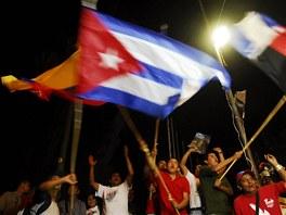 """Chavist�"", podporovatel� socialistick�ho kandid�ta Madura, slavili volebn�"