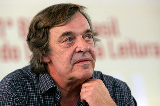 Portugalský spisovatel Miguel Sousa Tavares (1952). Rodák z Porta žije nyní v